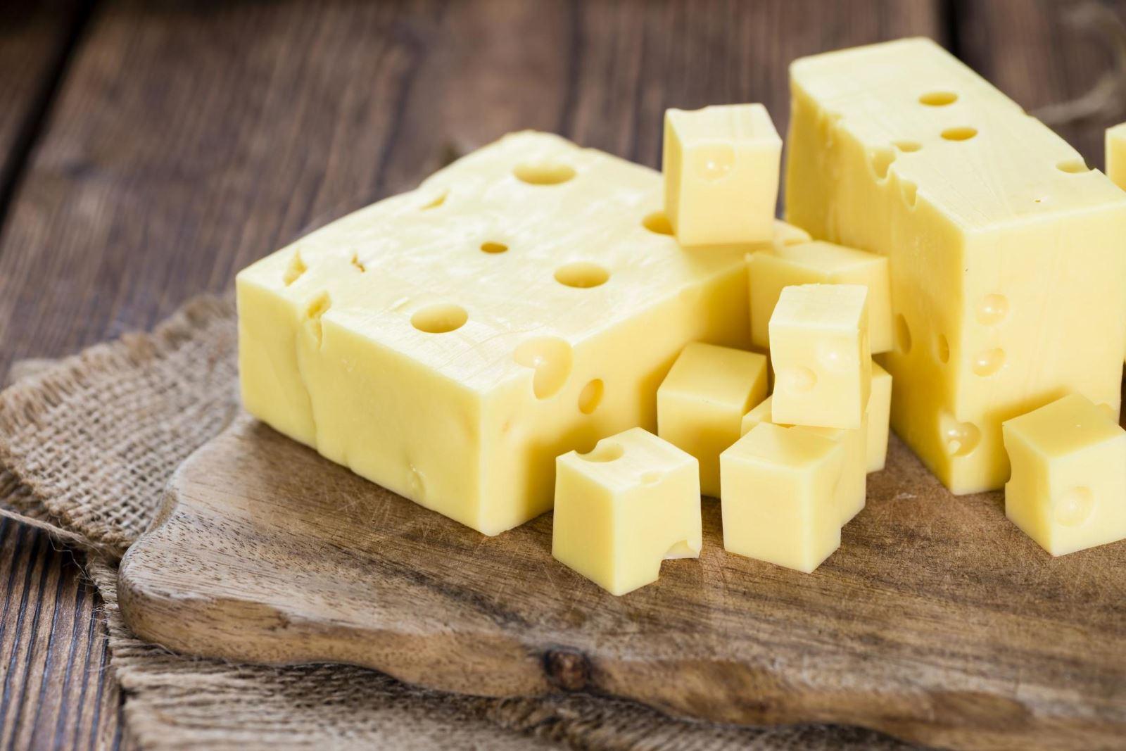 Phân biệt các loại phô mai trong làm bánh và nấu ăn mà không phải ai cũng biết rõ